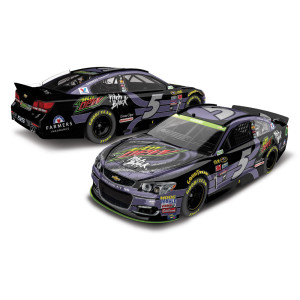 Kasey Kahne #5 2016 #88 Mountain Dew Pitch Black 1:24 Scale Die-Cast