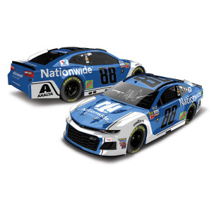 AUTOGRAPHED Alex Bowman 2018 NASCAR Cup Series No. 88 Nationwide ELITE 1:24 Die-Cast