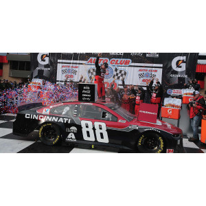 Alex Bowman 2020 Fontana Auto Club Speedway WIN 1:24 HO Die-Cast