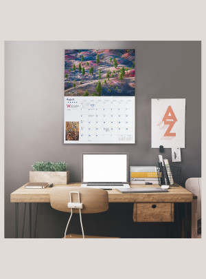 """2021 America's National Parks 18"""" x 12"""" DELUXE WALL CALENDAR"""