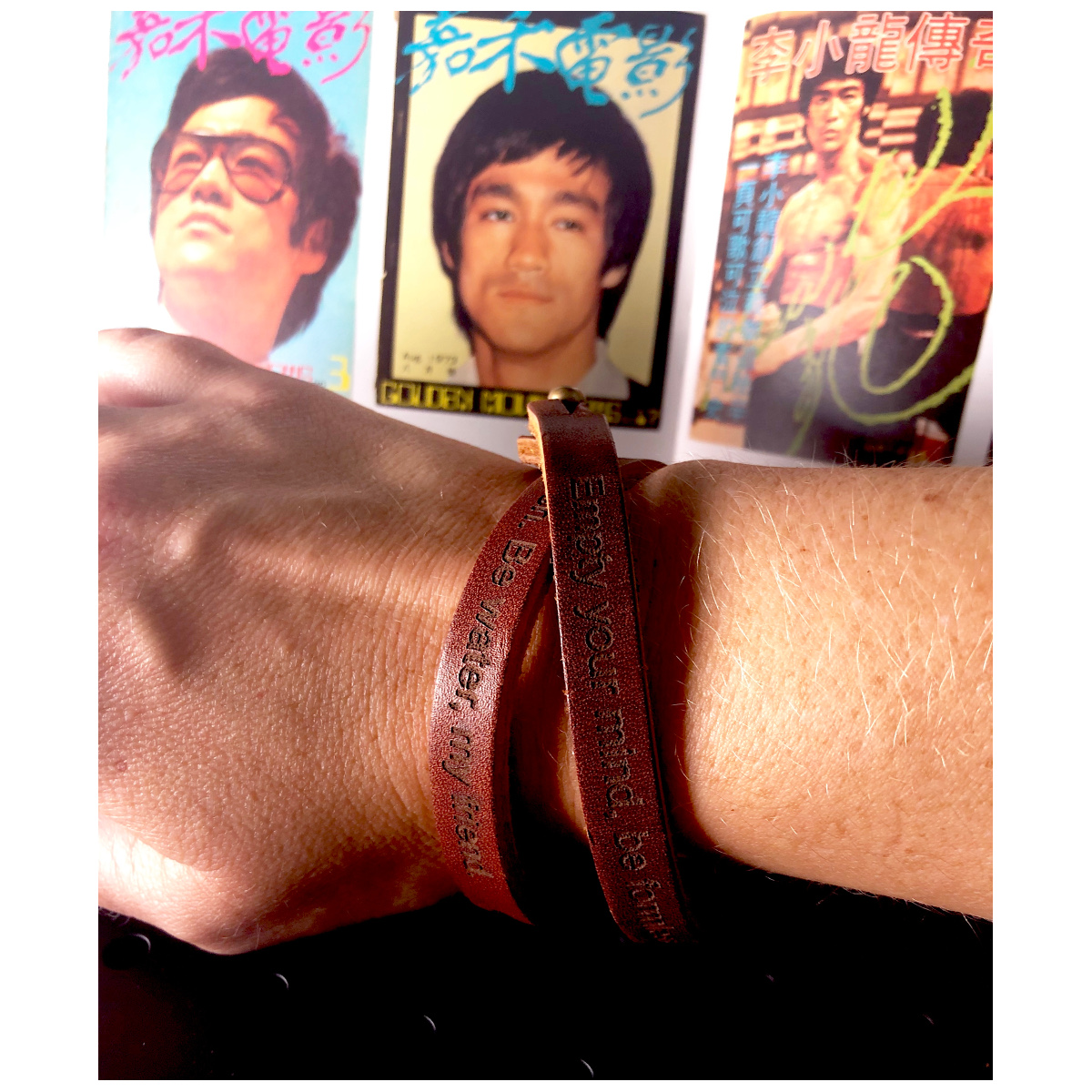 Be Water, My Friend Men's Leather Wristband - Brown