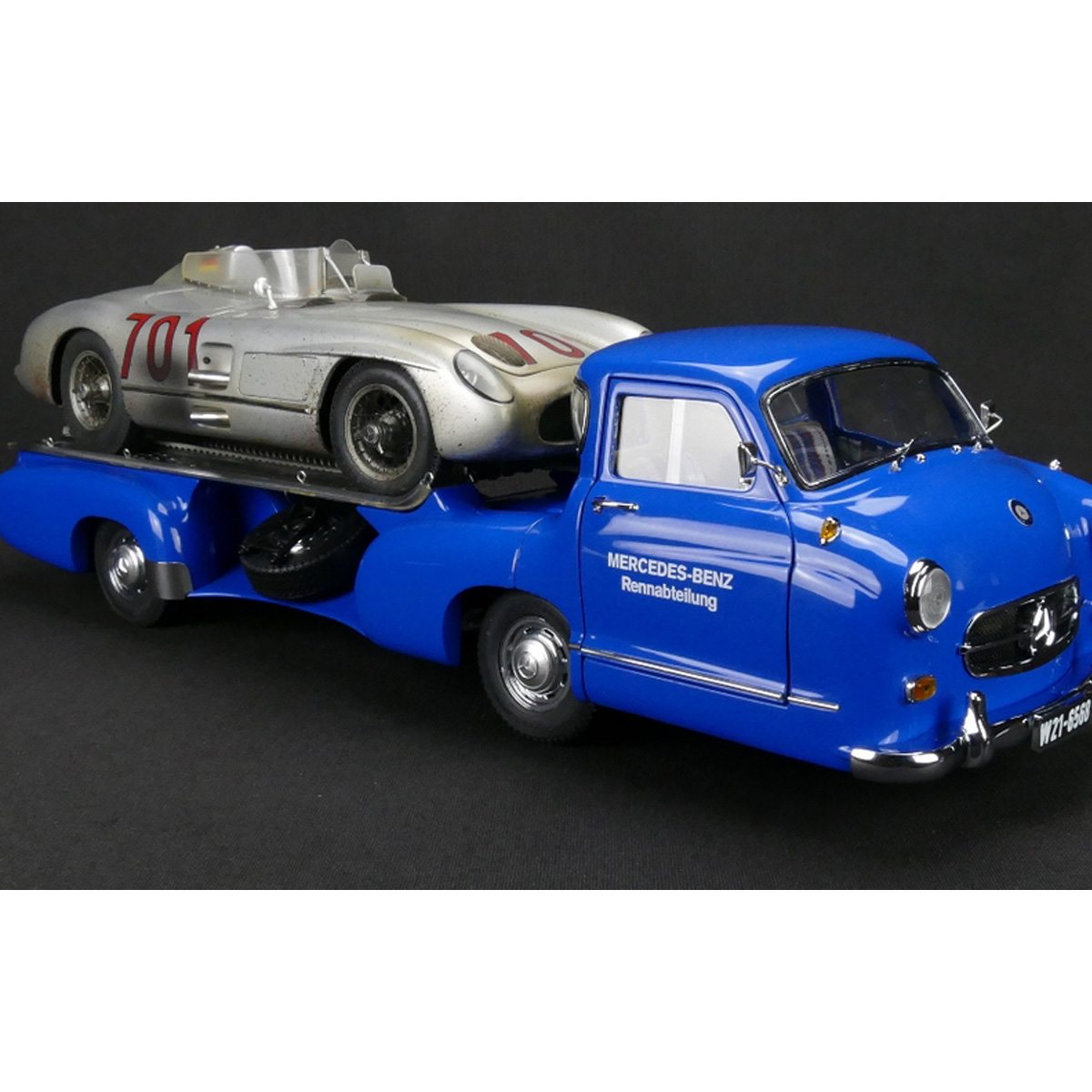 CMC 1955 Mercedes-Benz Blue Wonder + Dirty Hero 300 SLR, Lim Ed 1000