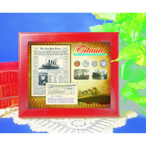 New York Times Titanic Collection in Wood Display Case