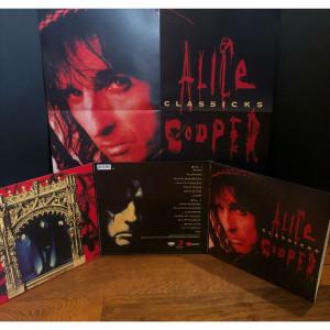 Alice Cooper Classicks - The Best Of Alice Cooper (180 Gram Translucent Blue & Black Swirl Audiophile Vinyl/Tri-Fold Cover/Poster)