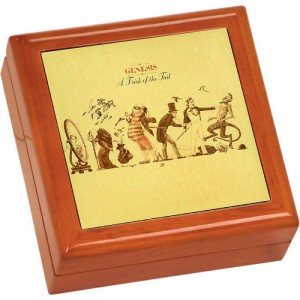 A Trick Of The Tail Wooden Keepsake Box