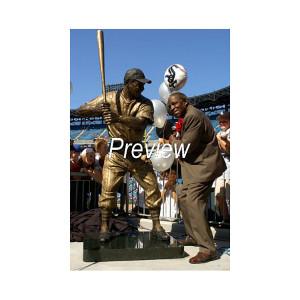 Minnie Minoso Tribute: Photo of Statue Unveiling 2004