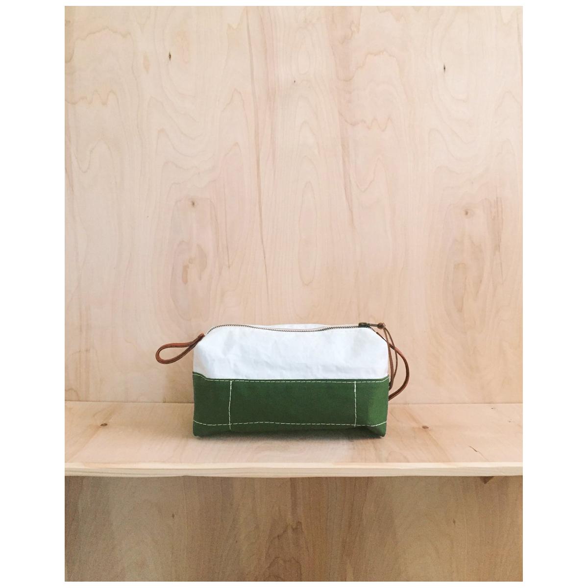 Eighth Belle: Moss Dopp Kit