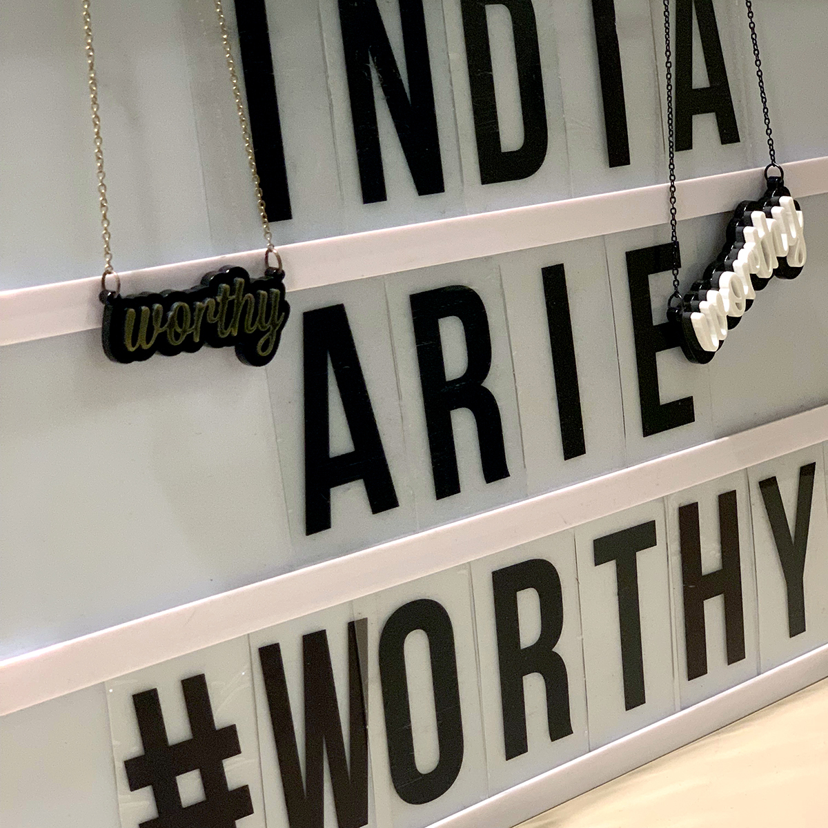 Worthy Necklace - Black/Gold