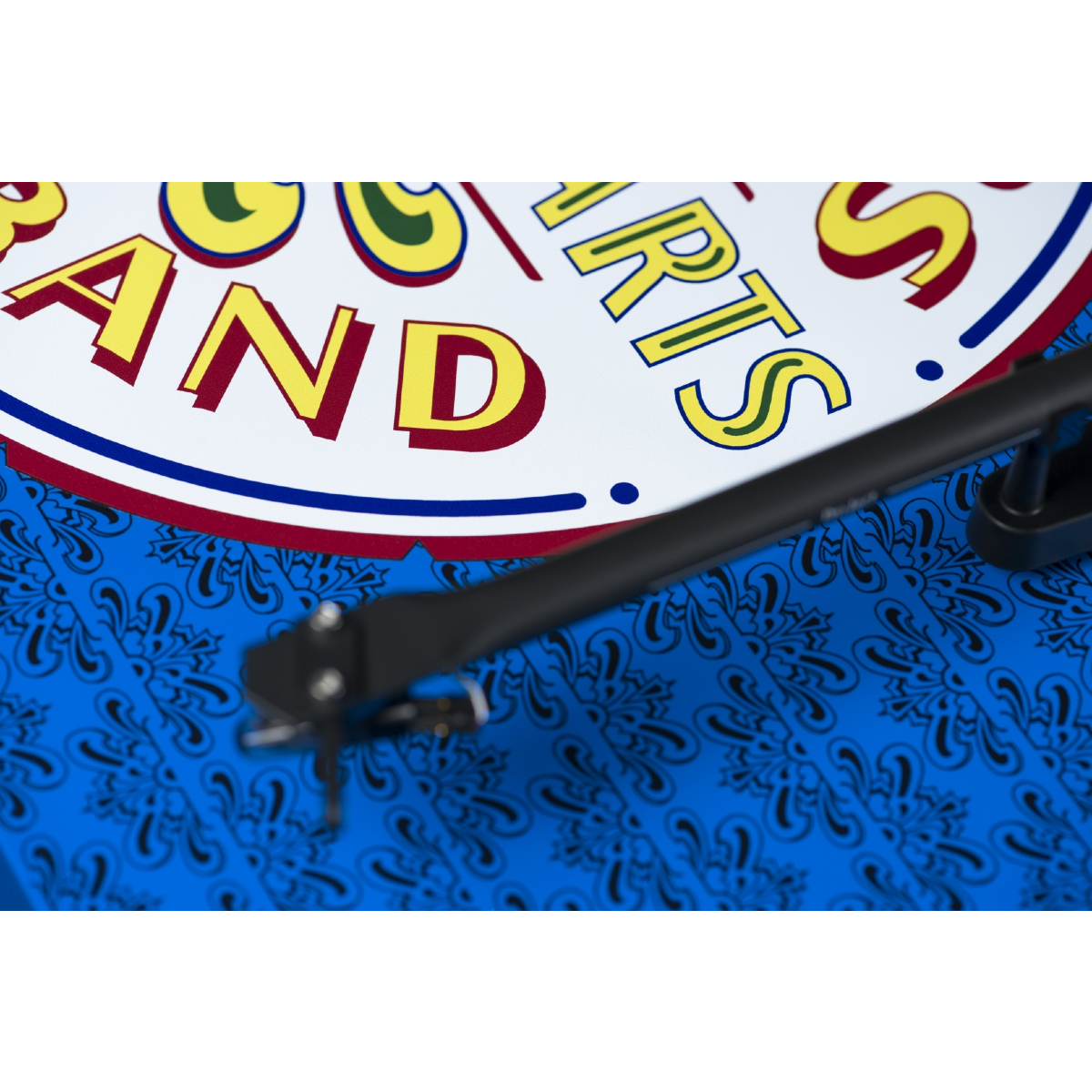 Pro-ject Essential III – Sgt. Pepper Turntable