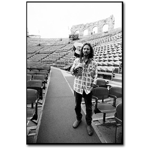 Eddie Vedder with Guitar - Verona, Italy - 2006