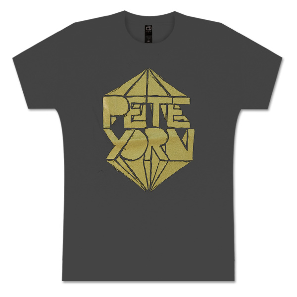 MEN'S METALLIC LOGO TEE IN GOLD