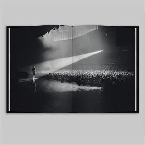 "Stromae ""√ Live"" Blu-ray"
